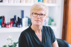 Katalin portré oldalról